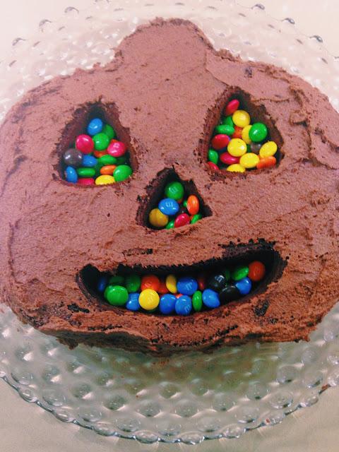 Halloween Cake // Live The Prep Life