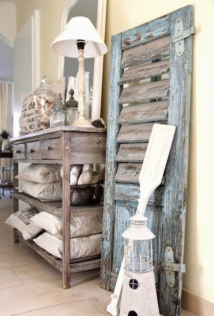 Charming coastal interior decorating with shutters Vintage house decor