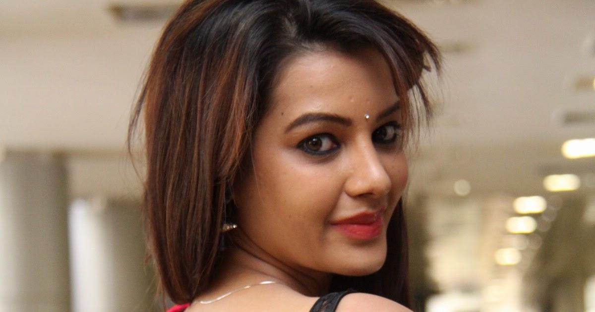 Indian Hot Actress: Diksha Panth Latest Hot & Spicy Photos