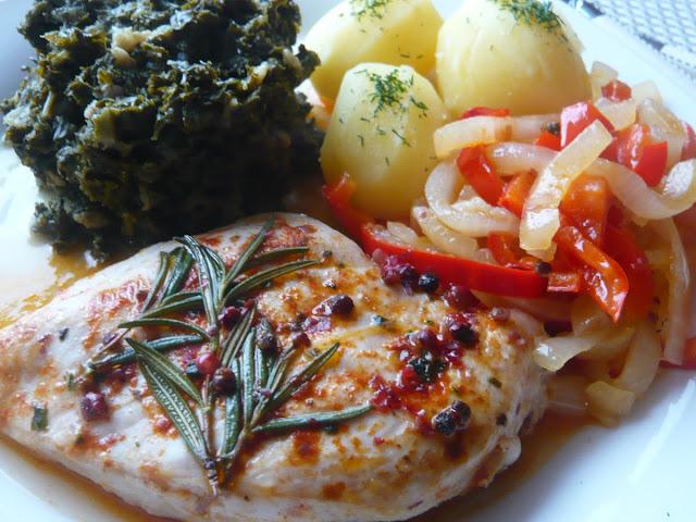 Stek z piersi kurczaka z cebulą, papryką i czerwonym pieprzem - Czytaj więcej »