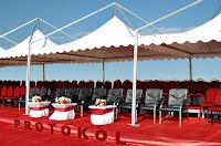 Protokol çadırındaki ve siyah protokol koltukları