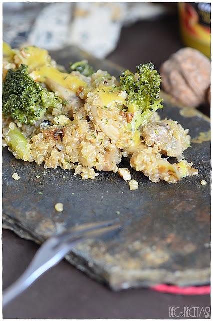 Ensalada de quinoa, coliflor, brécol y champiñones