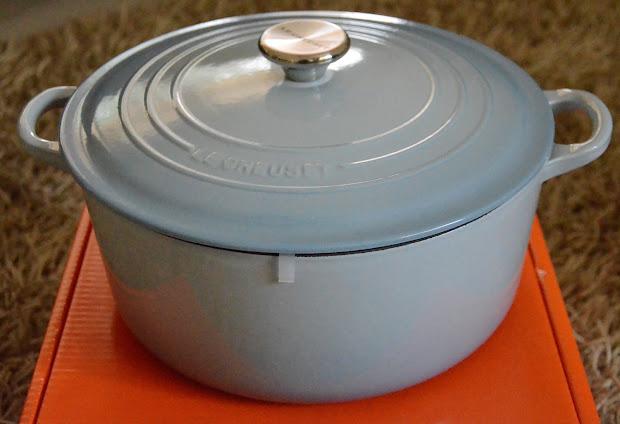 Kitch '' Chic Le Creuset Cast Iron 29cm Oval & 28cm Casserole - 1st Quality