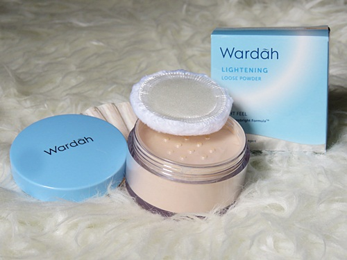 Wardah Lightening Loose Powder - Uni's Stories
