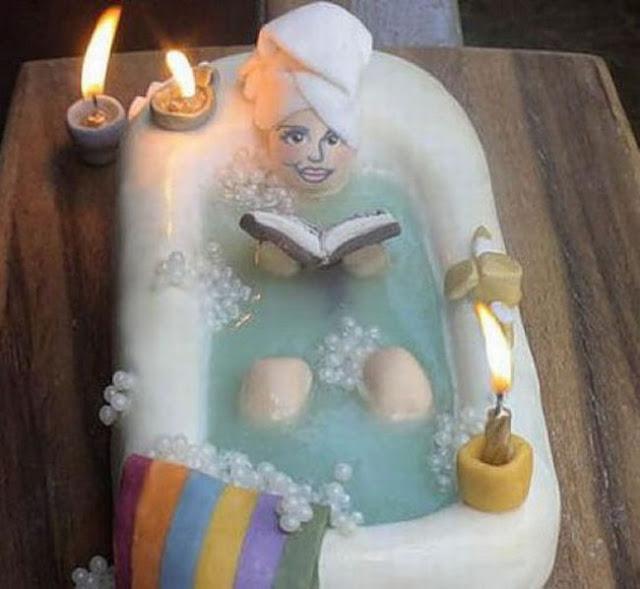Món bánh sinh nhật đặc biệt dành cho Quý Cô chăm học và những chàng Sở Khanh