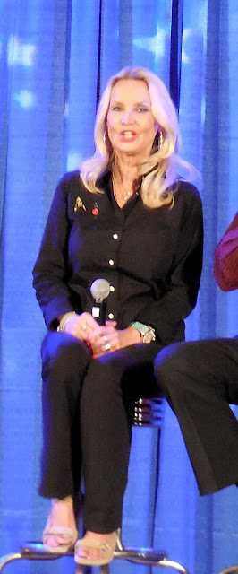 Barbara Bouchet at Shore Leave 38 (July 2016)