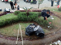 Alhamdulillah, Sebelum Membubarkan Diri, Massa Aksi 299 Punguti Sampah