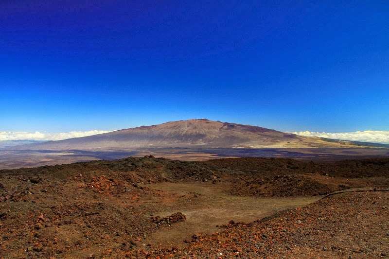 Mauna Loa, Hawaii - Top 10 Stunning Volcanoes Around the World