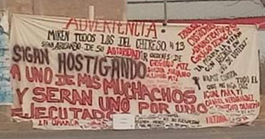 """""""Uno por uno serán EJECUTADOS"""", Con Narcomantas amenazan custodios del CEFERESO en Oaxaca."""