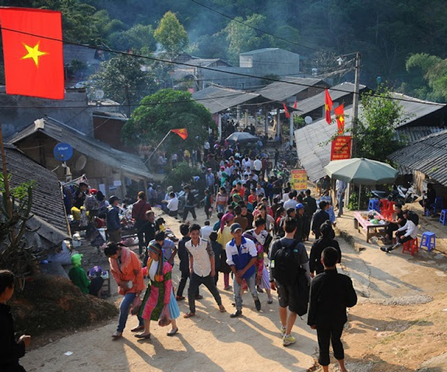 The unique adultery market in Ha Giang 1