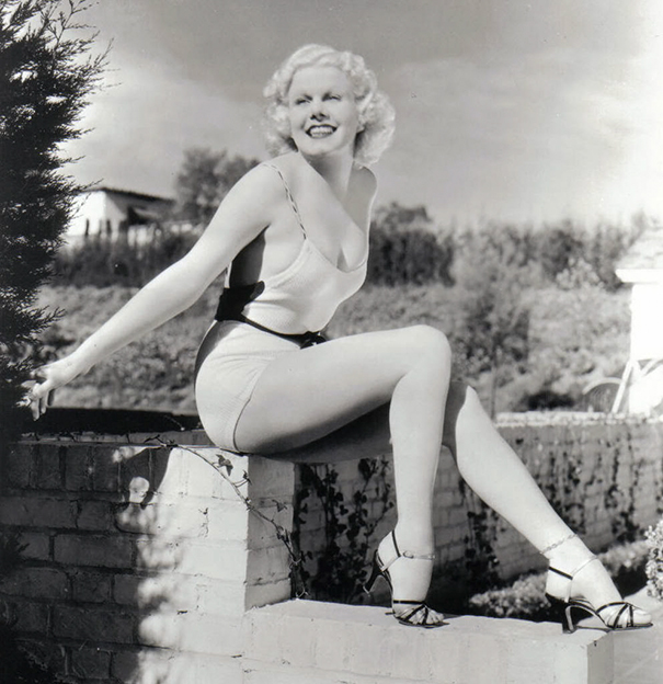 How The Female Body Standards Have Been Altered Over 100 Years - Jean Harlow