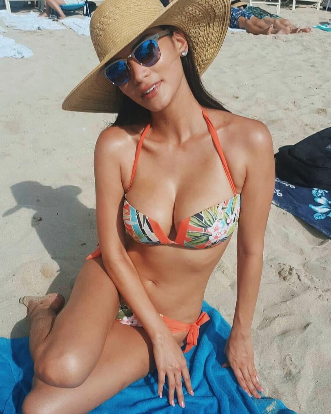 pia wurtzbach sexy bikini photos