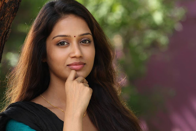 Actress Nivetha Pethuraj Latest Stills From Podhuvaga Em Manasu Thangam Movie