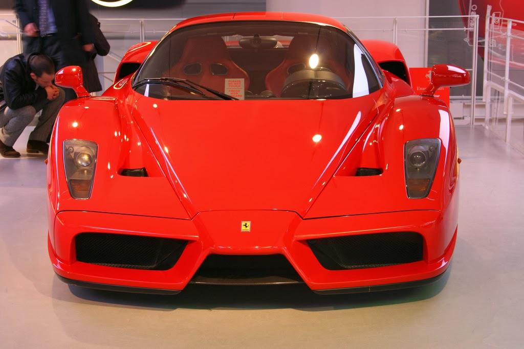 janex museu - Vidrados no cavalinho - Enzo Ferrari, uma paixão toda italiana.