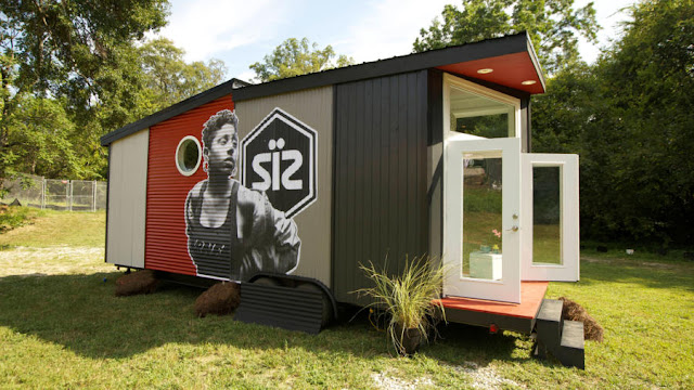 Pop Up Shop Tiny House