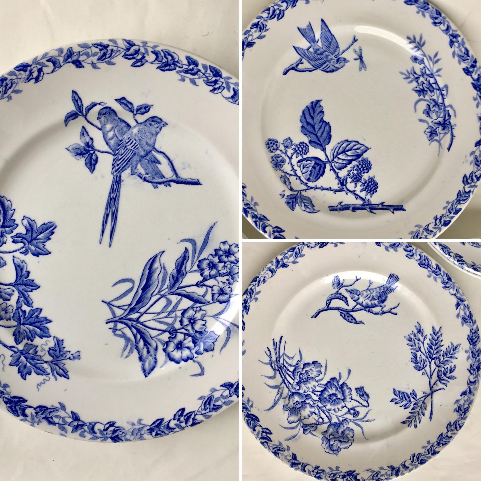 Les puces de la bult e assiettes fa ence bleues papillons oiseaux fleurs chantilly 100 6 La table italienne senlis
