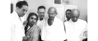 Dr. Sushila Nayyar with Gandhi and other leaders