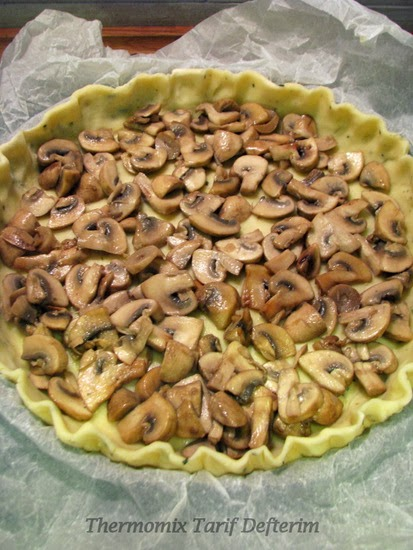 Champignon and Smoked Provola Quiche with Thermomix