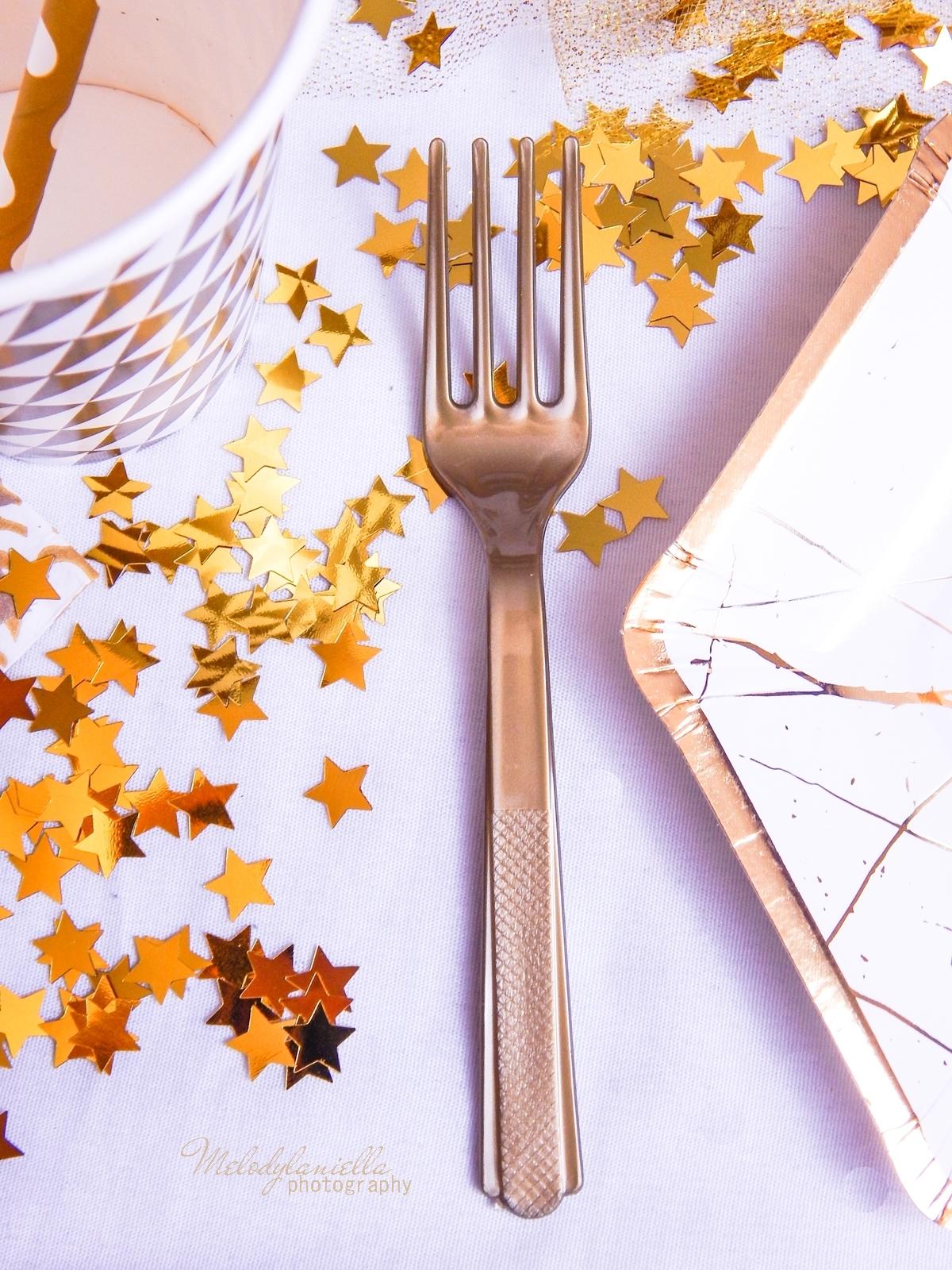 12 jak udekorować stół na imprezę dekoracja stołu karnawałowego świątecznego weselnego urodzinowego dekoracje dodatki pomysły propozycje dekoracji domu