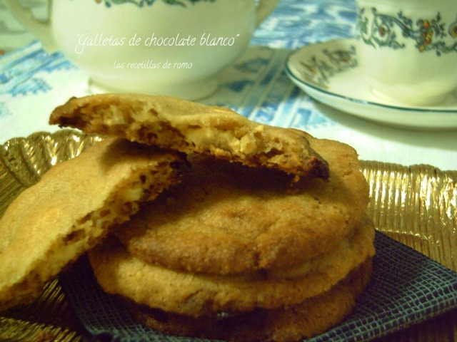 """Galletas de chocolate blanco"""