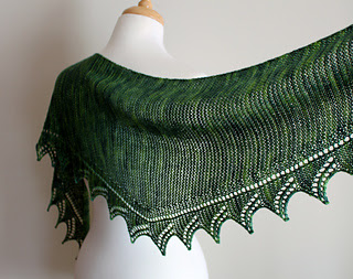 easy beginner lace shawl designed by Leah Michelle Designs