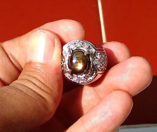 Batu Natural Black Safir Golden Star