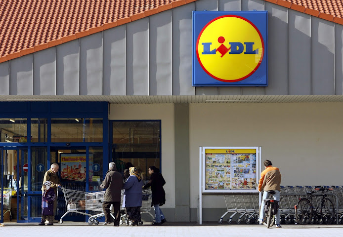 LiDL: «Ο βραβευμένος ως top εργοδότης για το 2017, που σακατεύει τους εργαζόμενους»!