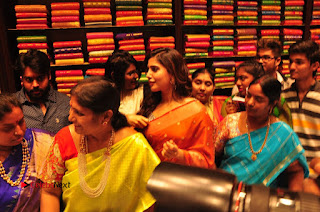Actress Samantha Pictures in Saree at South India Shoping Mall Launch 0359