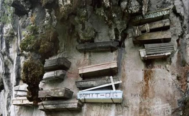 7 Makam Teraneh di Dunia
