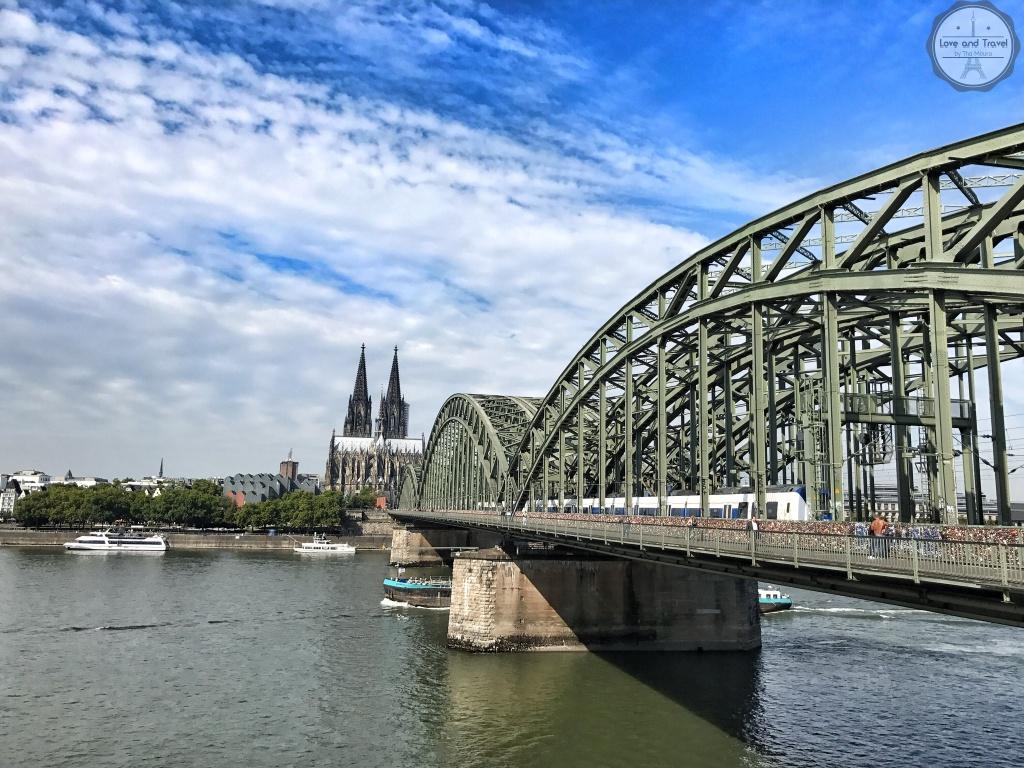 Ponte e Catedral de Colonia Alemanha Koln