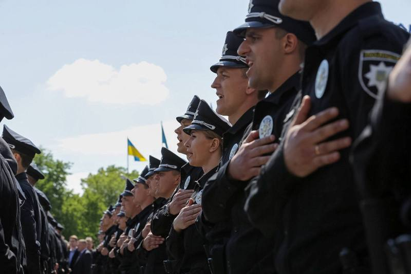 Патрульная полиция приносит присягу