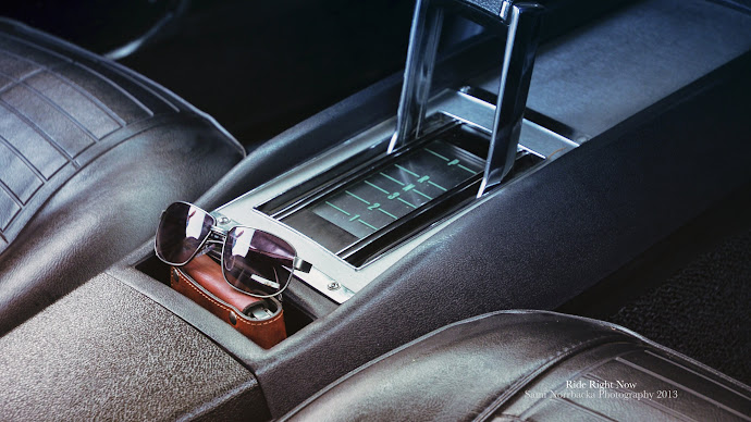 Wallpaper: Sunglasses Inside of a car
