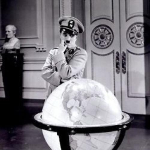 Chaplin em seu filme: O Grande Ditador.