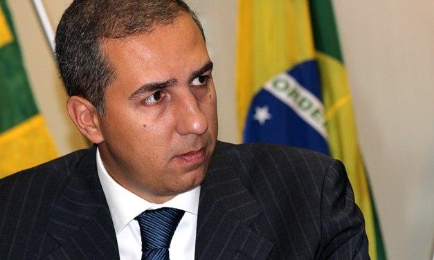 Vice-governador de Goiás José Eliton e o candidato à Prefeitura de Itumbiara José Gomes da Rocha foram baleados durante uma carreata em Itumbiara