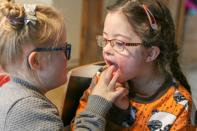 Jolina und Sontje, Freundinnen mit Down Syndrom