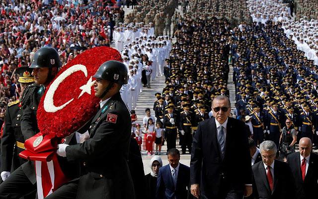 Ερντογάν: Αγύρτες και εκβιαστές οι οίκοι αξιολόγησης