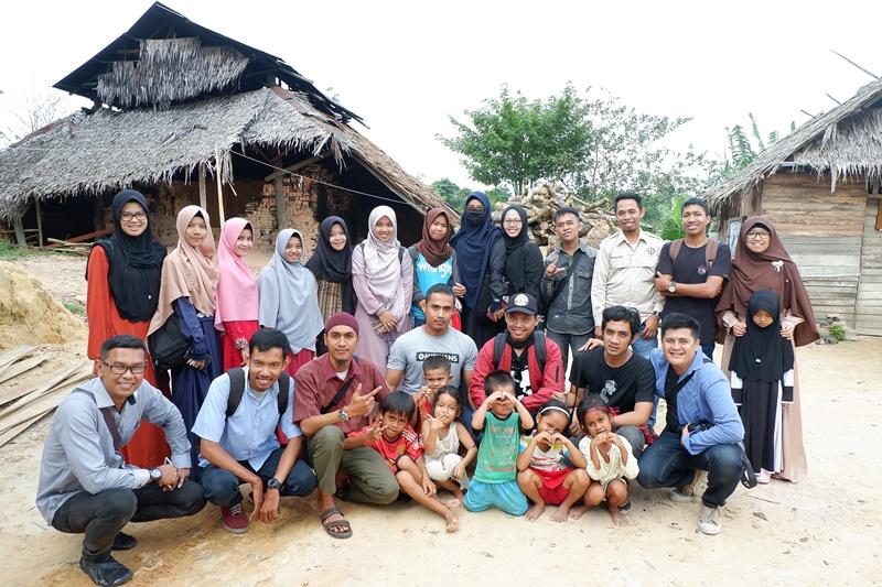 Pegiat Komunitas Pekanbaru Kunjungi Nadia Safitri, Beginilah Situasinya, SPBU Harapan Raya menuju ke lokasi kediaman Nadia, yaitu di Jl. Badak Ujung, Bukit Jamin, Kulim, Tenayan Raya - Pekanbaru.