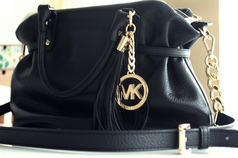 photos bild galeria tasche michael kors. Black Bedroom Furniture Sets. Home Design Ideas