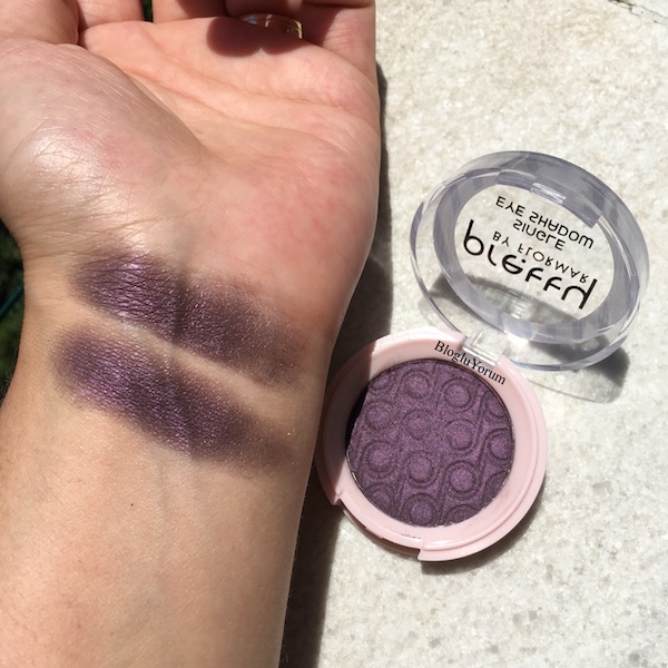 pretty by flormar single eyeshadow 010 deep plum swatches 10