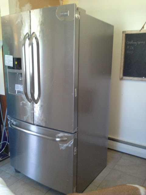 Frigidaire Stainless Steel refrigerator Appliances