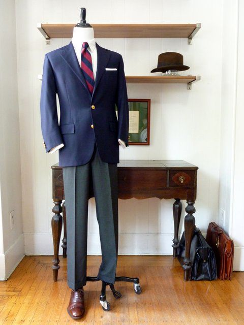 pantalón gris de franela