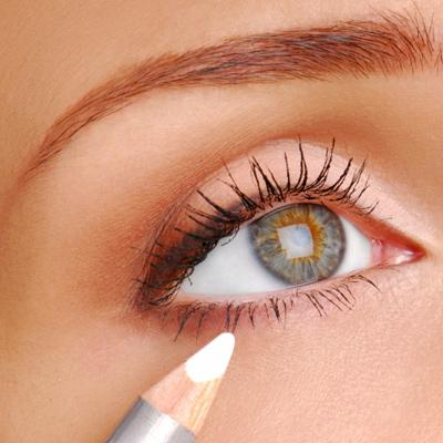 """b84e35d80c0 """"Take a white eye pencil and line the inside rim of your lower eyelid. This  really makes eyes pop! Fun fact: Look at the old black/white photos of the  ..."""