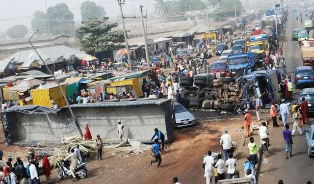 train nigerian soldiers crash trailer kaduna