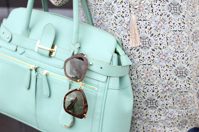 Mint purse for spring, splurge or save