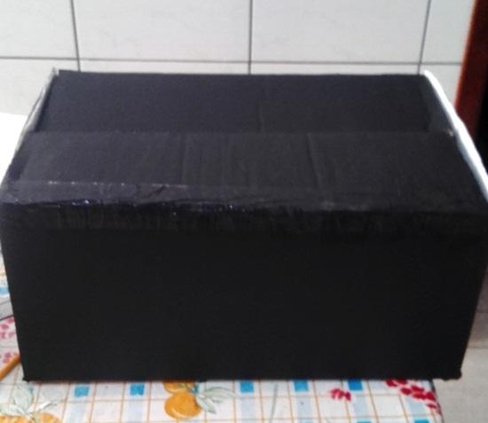pinte o mini estúdio com a tinta preta por fora