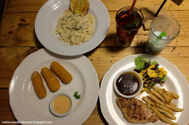 Makan Malam di Mangsi Coffee Denpasar Bali