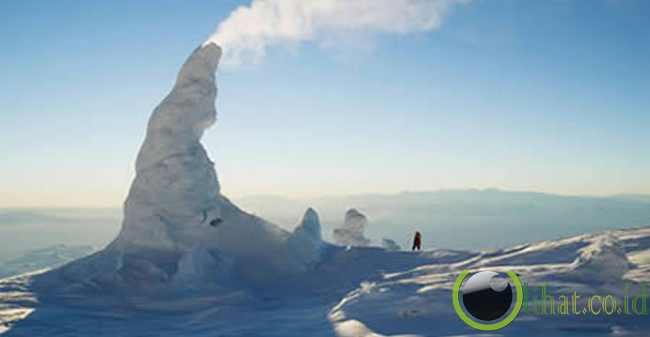 Menara Es Gunung Erebus (Antartika)