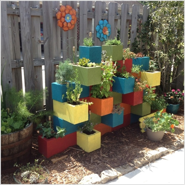 d%2B13-cinderblock-garden 25 Stunning Planter Concrete Blocks Alternatives to Transform Your Backyard And That Are All Your Front Porch Needs Interior