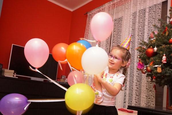 radosna Zośka z balonami
