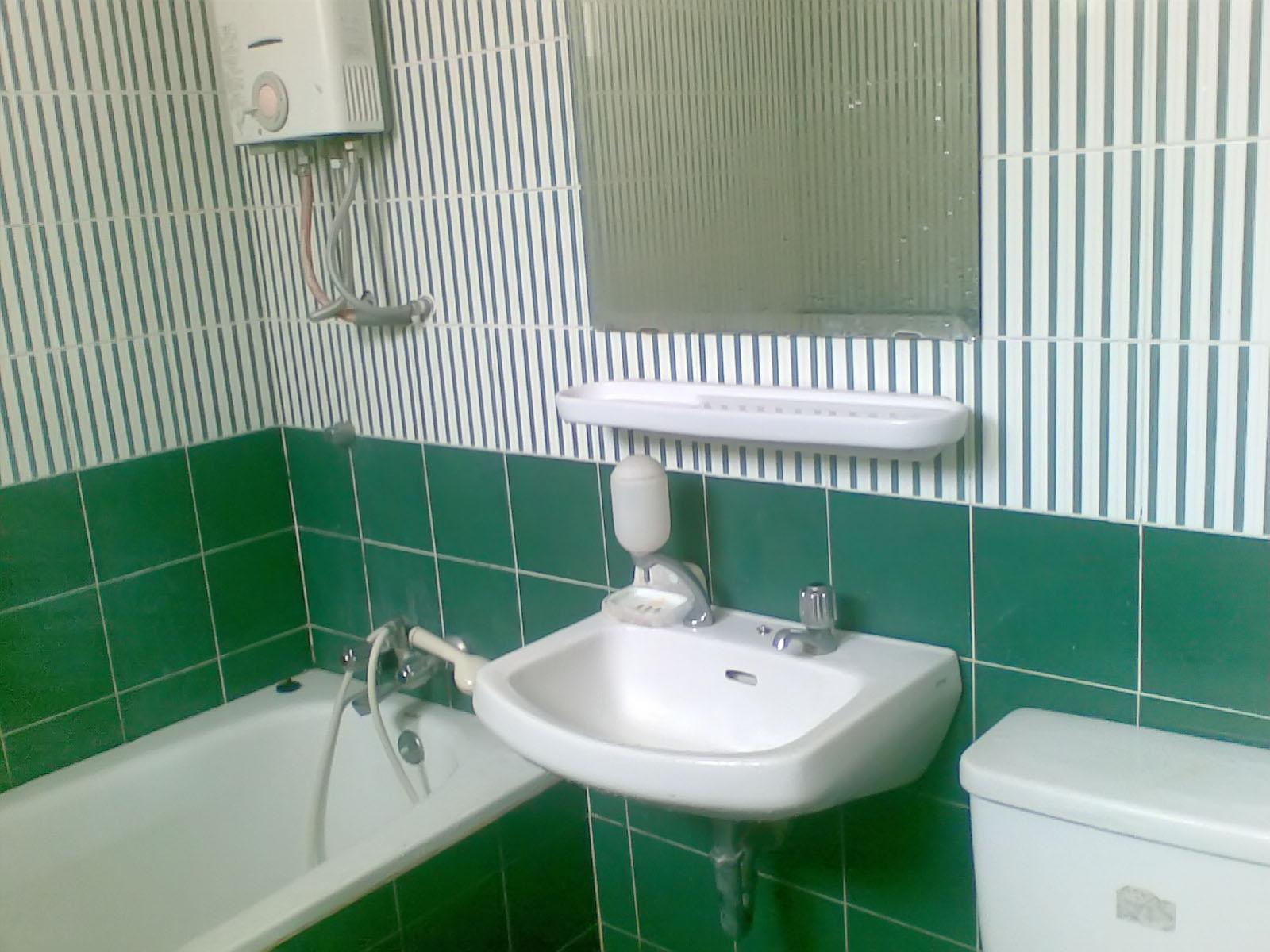 Keramik Lantai Kamar Mandi Warna Hijau | Desain Rumah ...